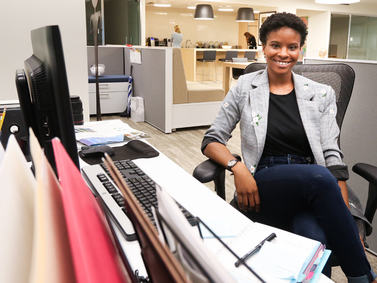 2018 W.I.S.E. Participant Mikeisha Kelly at work for Rubenstein Public Relations in New York City